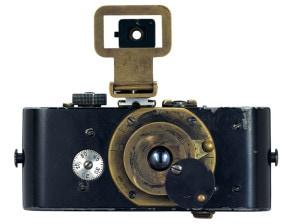 Ur-Leica von 1914 © Leica Camera AG. Aus der Ausstellung AUGEN AUF! - 100 JAHRE LEICA-FOTOGRAFIE