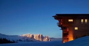 Schöner kann ein Traum nicht sein, als dieses Foto von der Adler Lodge mit Blick auf den Schlern