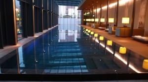der Pool begeistert durch seine Länge