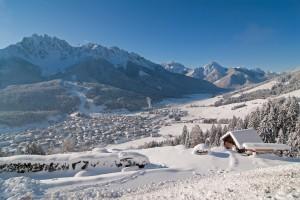 Blick auf das winterliche Innichen.