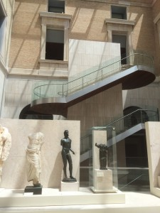 MAN - das Foyer mit Treppenaufgang