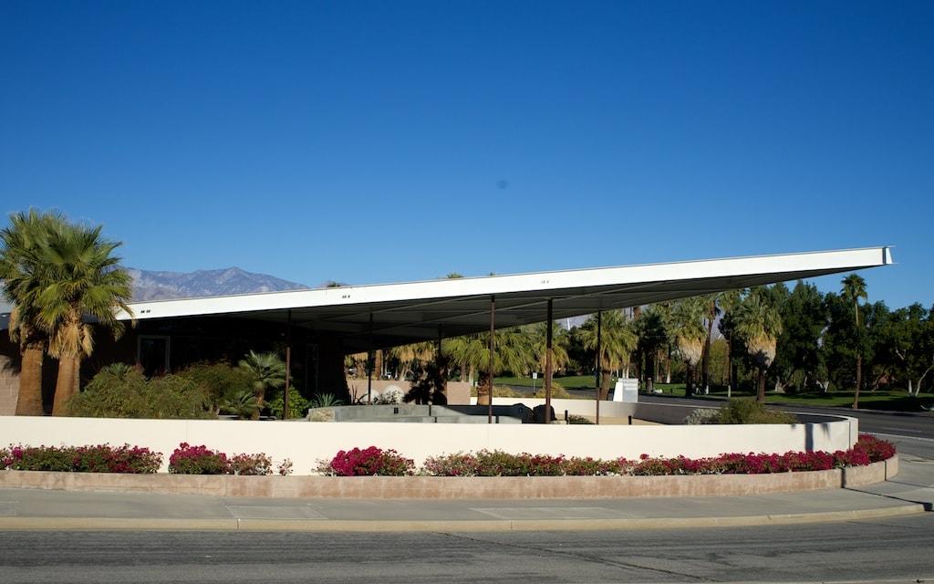eine Ikone des Mid Century Modern ist die ehemalige Tankstelle, heute das Visitors Center