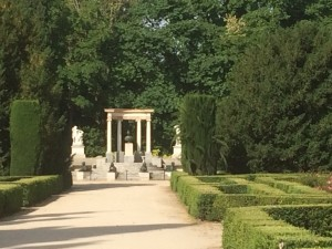 Parque del Capricho - Denkmal der Herzogin von Osuna.