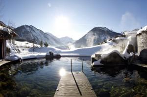 romantisches Winterfoto des Duellteiches Jungblut