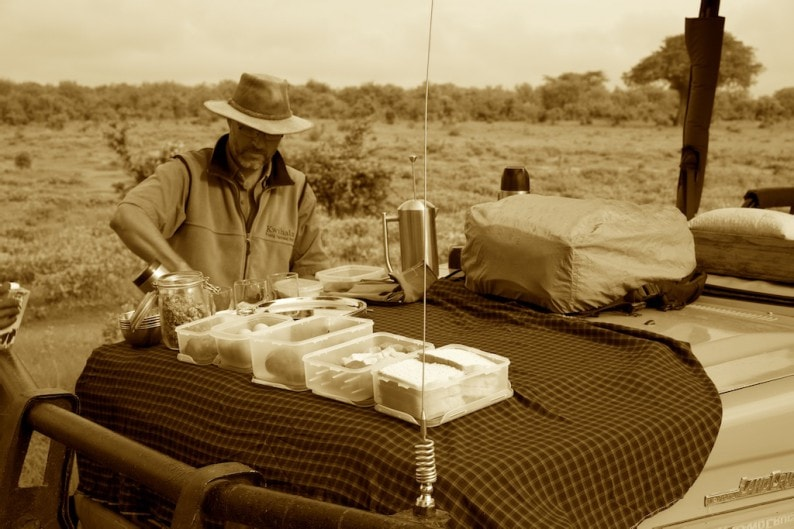 Tanzania - Ruaha NP - Frühstück im Busch (1)