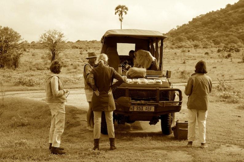 Tanzania - Ruaha NP - Frühstück im Busch