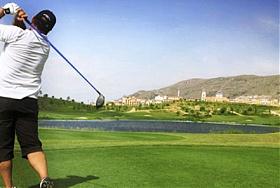 Dieser Golfplatz wurde von Jack Nicklaus entworfen und verlangt einen erfahrenen Spieler