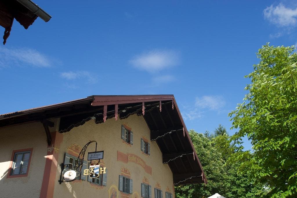 Aus dem 16. Jahrhundert stammt das Gasthaus in Feldwies