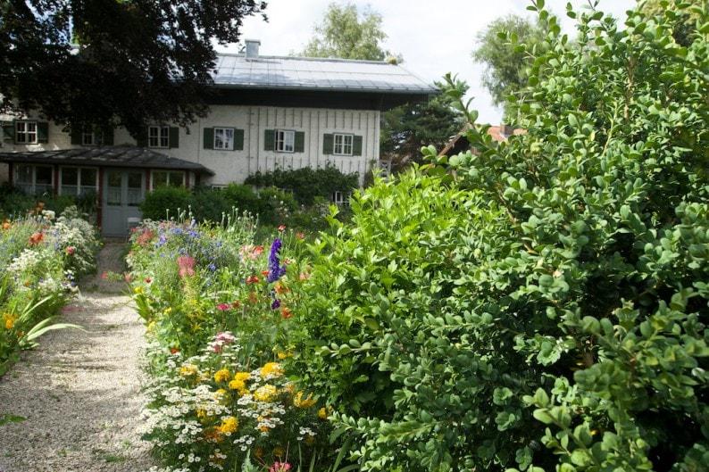 Übersee - der berühmte Blumenweg