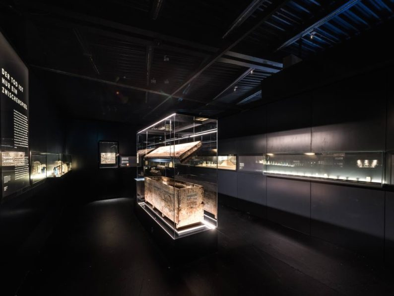 23_Ausstellung_pharao_kastensarg