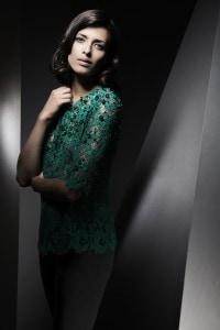ein typisches Beispiel der elegante Mode von Louise Kennedy