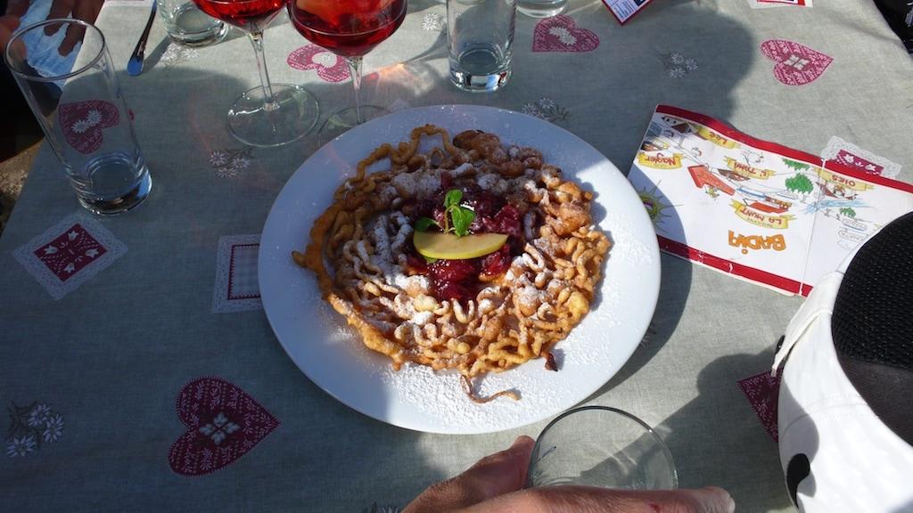 Die herzhafte ladinische Küche ist ein Erlebnis.