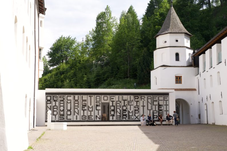Burgeis- Kloster Marienberg - der neue Speisesaal von Werner Tscholl