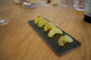 Marinierte und gedünstete Apfelscheiben als Nachtisch.