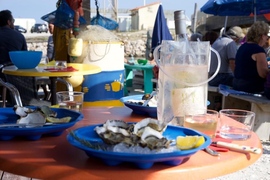 La Cabane des Tontons, Austern mit Weißwein.