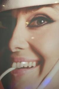 Audrey Hepburn in den Sixties, hängt aktuell in der Boutique von Michael Barnaart van Bergen.