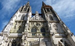 eine der bedeutendsten Kathedralen Deutschlands ist der Dom in Regensburg