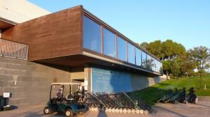 Das moderne Clubhaus vom Golfclub El Prat