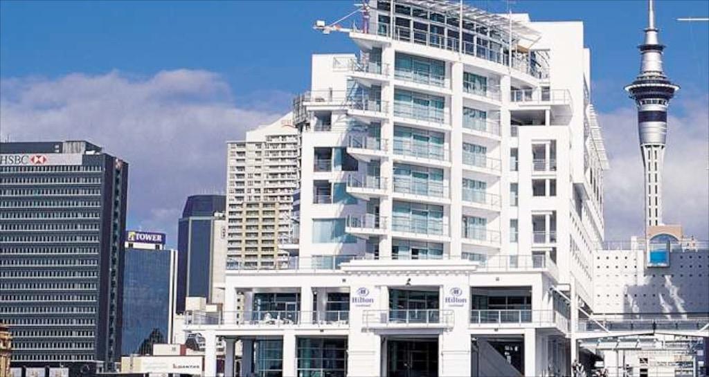 die ungewöhnliche Architektur des Hilton Auckland fällt sofort ins Auge