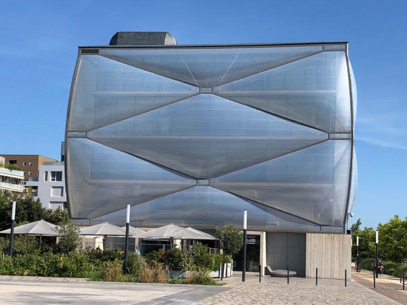 Montpellier - Port -Marianne - Le Nuage von Philippe Starck