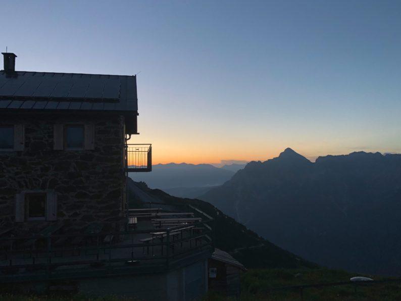 die Starkenburger Hütte gegen 5 Uhr