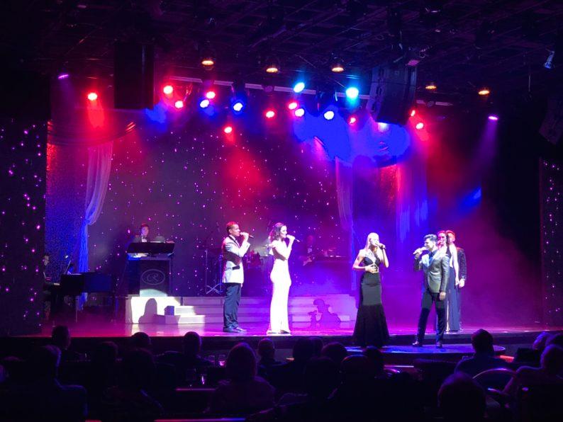 Broadway - Show auf der Regent Seven Sean Voyager