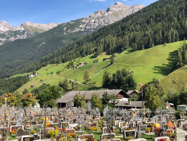 Friedhof von Neustift mit der Serles