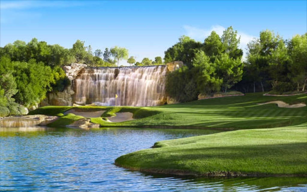 Besser geht es eigentlich nicht - artifizielle Welt auf einem Golfplatz in der Mojave Wüste