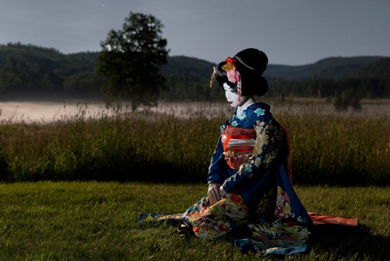 Laurie-Simmons_Day-33_Geisha-Moonlight-Valley-lg