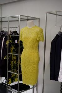 Sommerkollektion von Valentino in gelber Spitze