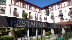 In dem Ferienhotel Ayestaran hat auch Hemingway gewohnt.