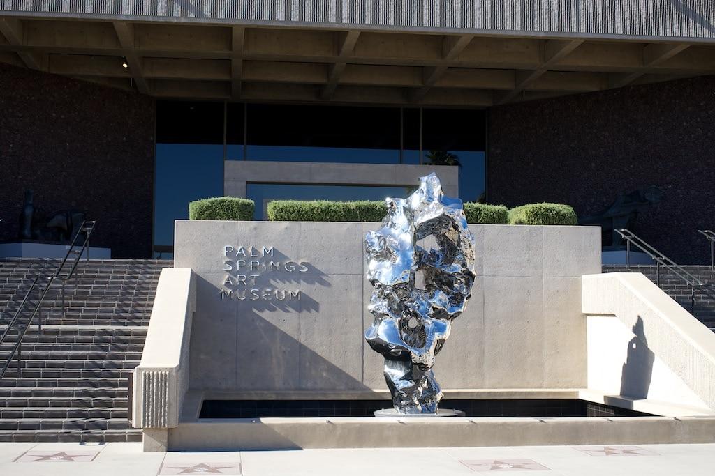 Das ist der Eingang zum Palm Springs Art Museum