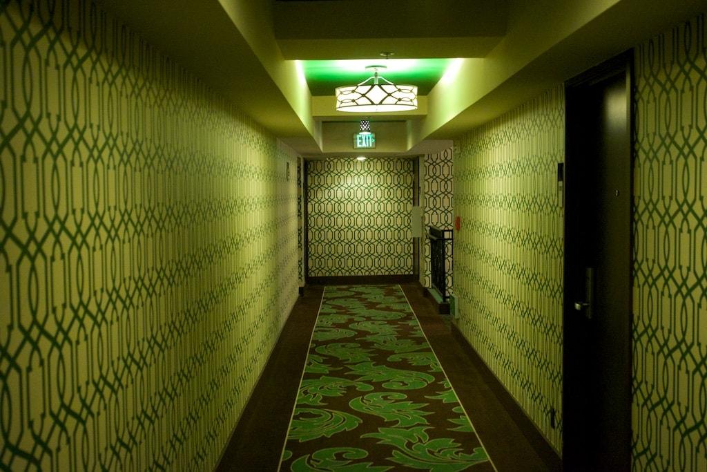 klasse Design im den Fluren des Riviera Springs Hotels