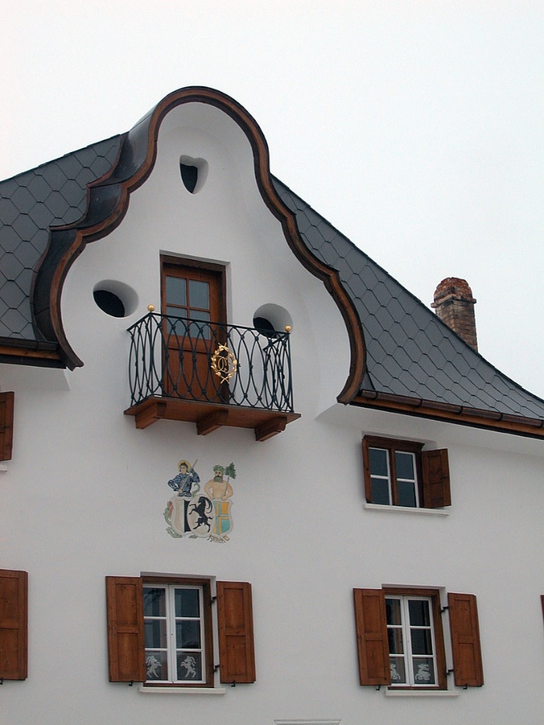Craftsmen from South Tyrol introduced this baroque  gable to Sent