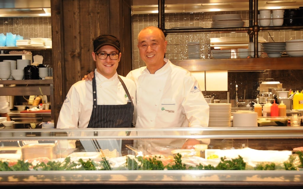 Hier ist Nobu mit seinem Küchenchef Di Santo im Badrutts Palace