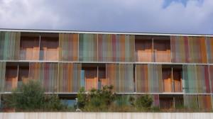 die ungewöhnliche Fassade des Hotels Doubletree la Mola