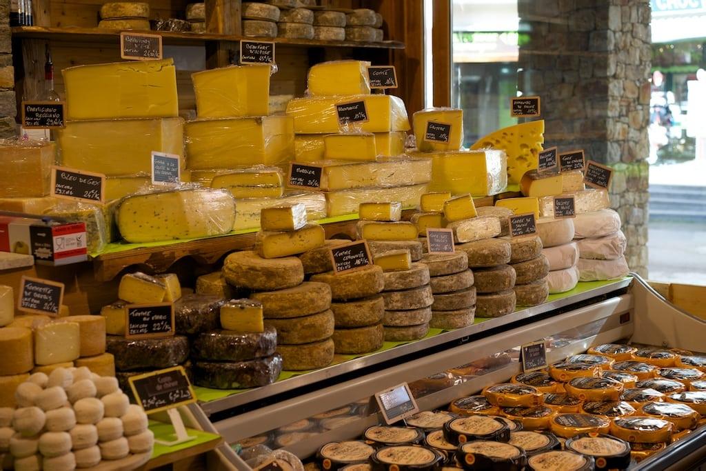 Hier zeigt sich das ganze Angebot von Käse aus dem Haute Savoie