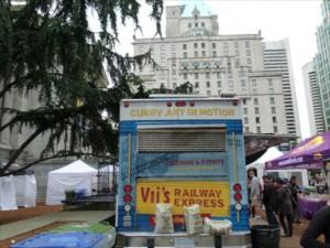 Curry Art in Motion nennt sich dieses Food Cart im Zentrum