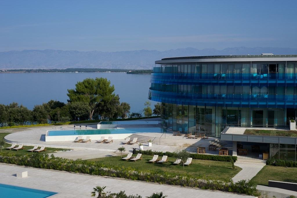 Direkt am Meer liegt das Iadera Hotel.