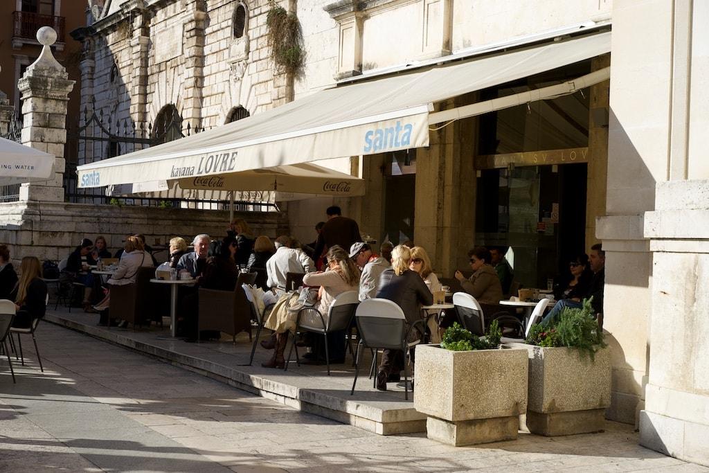 Das Cafe Santa Love auf dem Volksplatz ist besonders beliebt.